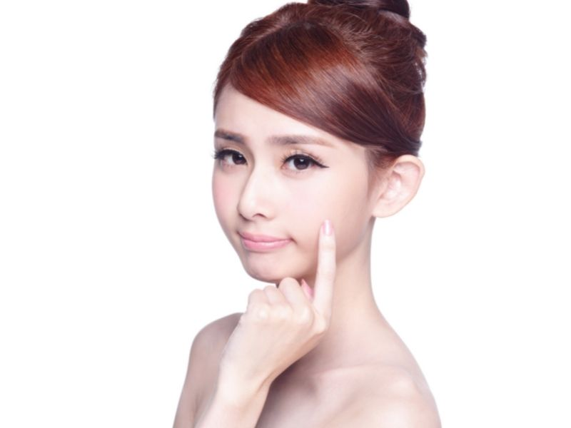 Làn da mặt căng trắng sau tắm trắng
