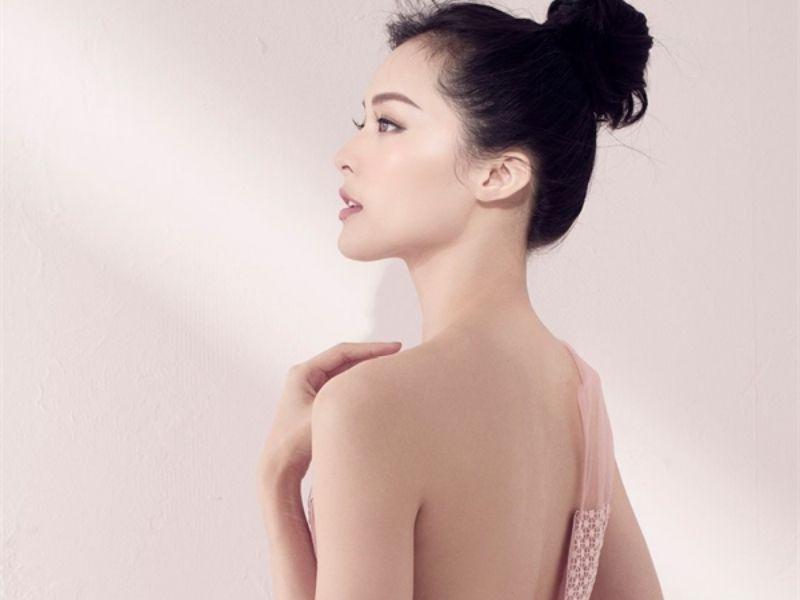 Khi lưng sạch đẹp bạn sẽ tự tin hơn khi mặc bất cứ trang phục nào