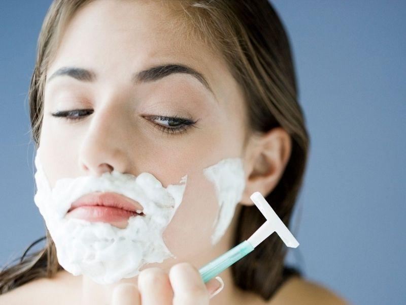 Nếu lông mặt gây nhiều phiền toái cho bạn thì bạn có thể triệt lông đi