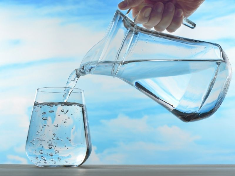 Đừng bao giờ vì bận mà quên uống nước
